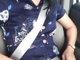 Flashing Milf Car vid: Sexy Amateur Asian MILF Flashing