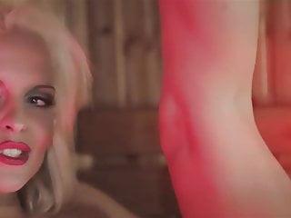 Heiss und feucht lesbian pool music edit...