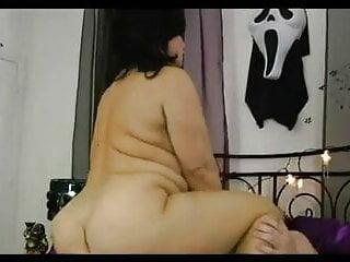 SEXY SAMANTHA 38G Takes a DICK