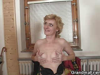 Old skinny blonde mature woman threesome fuck...