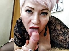 Come on, suck my dick, my kinky Queen!