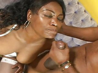 Enormous Booty Brazilian Horny milf Obtains Banged