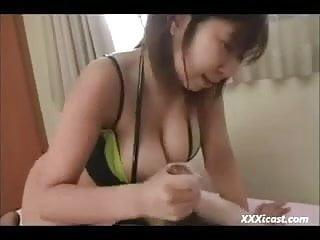 可愛的亞洲屁股陰道和吹簫