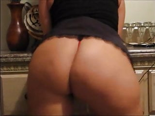 Hot girl shows off hme...