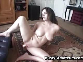 Busty amateur jennifer hot mastubation...