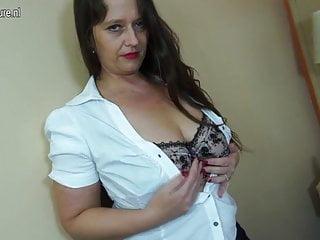 Sexy mamma matura con vagina pelosa
