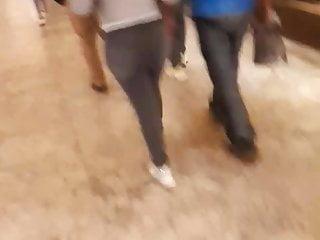 milf culona caminando en antara polanco con jeansHD Sex Videos