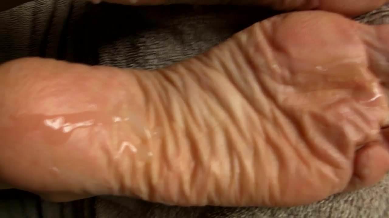 Mature Feet Up Masturbation