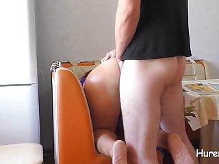 Fick meine Stiefmutter anal nach Blowjob