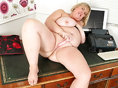 Busty and mature BBW Melons Marie gets undressed