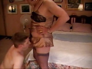 Crossdressing Domme and subboi