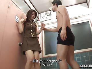 Asian babe the bathroom...