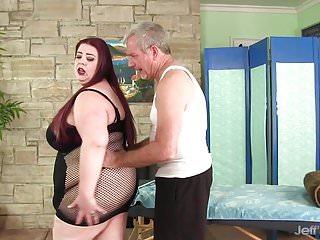 Big boobed BBW Miss Ladycakes gets a sex massage