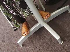 Candid Somali Dick Draining Foot Show