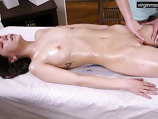 Ira Pizdunka has intense orgasms from virgin therapeutic massage