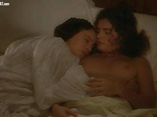 Laura Antonelli Clelia Rondinella nuda nel film La Venexiana