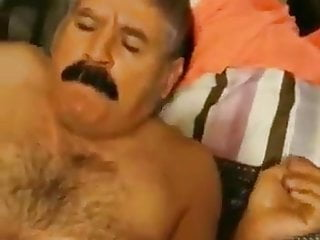 Maduro bigotudo