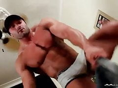 Muscle guy sucked and cum in mouth.  Cock worship paradise !