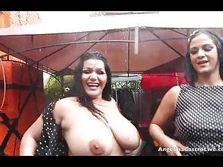 Angelina Castro e Miss Raquel Pussy giocano sotto la pioggia