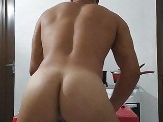 Big beautiful Ass Boy Twerking at home