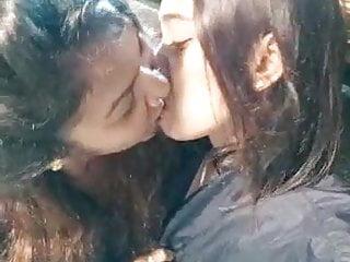 Asian Fingering porno: Malaysian Lesbian