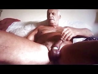 Daddy play dildo and cum a lot. Yummy