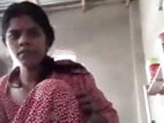 Desi Bhabhi Live Video on Cam. Masturbating in front of camera.