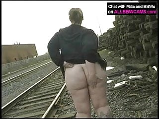 princess gets nude on railway...