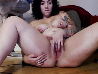 tatted and pierced pawg masturbateHD Sex Videos