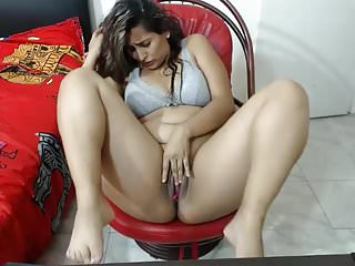 Sexy Indian n curvy babe ( masturbating with vibrator )