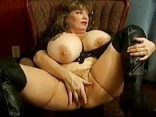 Huge tits 1...