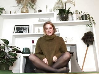 yoga in pantyhose 3