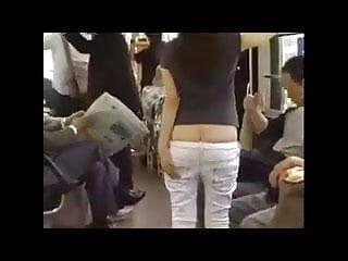 Butt flash...