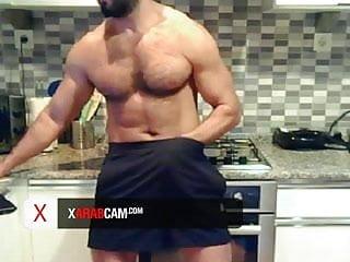 Dubai horny stud gorgeous body hot gay...