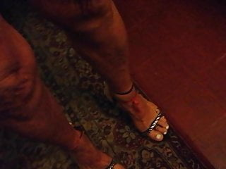 My tanned feet ready to recibe cum...