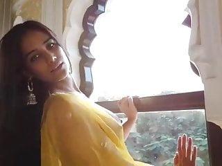 Sexy Poonam Pandey