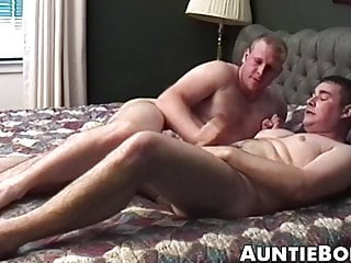 Some great amateur action by a pair of big and horny men