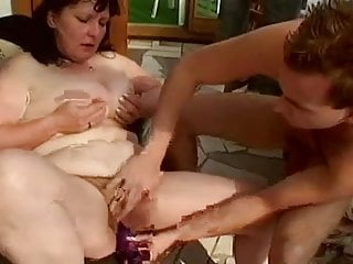 Fat mature pumped in cunt by troc...