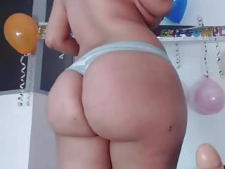 Juicy latina butt...