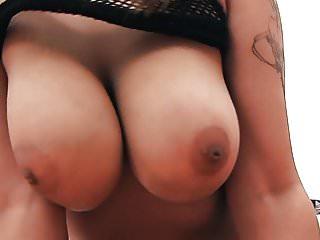 Fantastic round boobs...