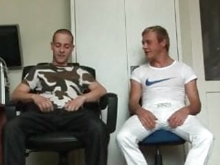 Hot twinks on getting ready to suck...