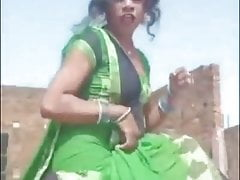 Bhojpuri girl dancing and up her cloth