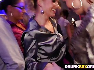 Boozed cock hungry chicks in the club