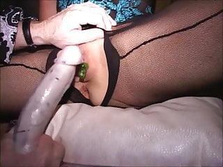 Grande clitoride mascherato MILFs 2 cums Succhiato in piedi piatto sulla schiena