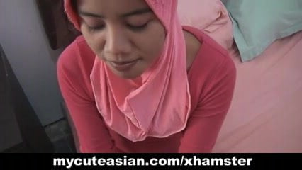 Head Scarf Girl Blows Guys Cock Shows Tits Blowjob Cock Tits