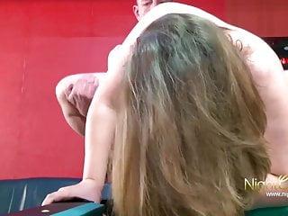 Deutsche Hausfrau das erste mal im Porno