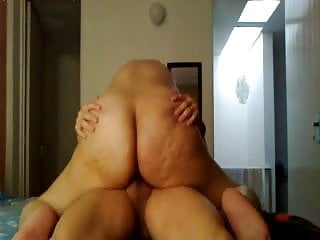 Booty riding cock...