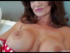 deuxma fucks a huge dildoPorn Videos