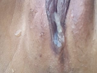 Very lengthy piss for Thai bitch
