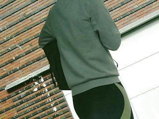 Junges Girl sexy Arsch in Leggings